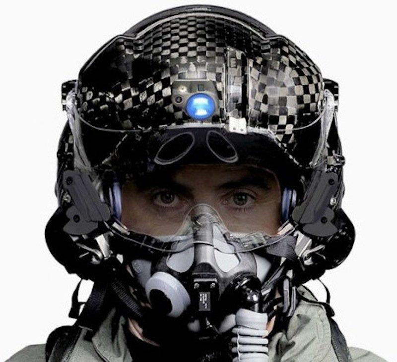 Bei diesem Helm benötigt der Pilot kein zusätzliches Nachtsichtgerät.