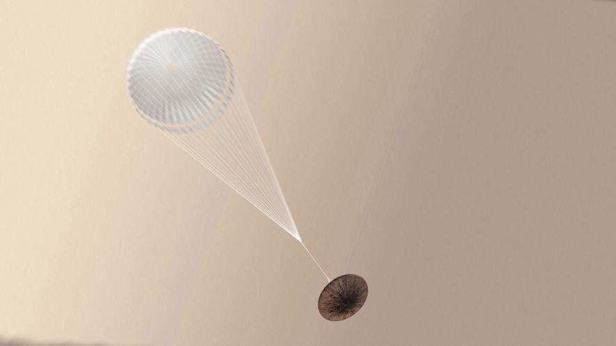 In einer Höhe von elf Kilometern sollte sich ein zwölf Meter großer Fallschirm öffnen und Schiaparelli von doppelter Schallgeschwindigkeit auf Tempo 300 abbremsen. Das hat auch funktioniert. Doch bei diesem Tempo ist es offenbar bis zum Bodenkontakt geblieben.