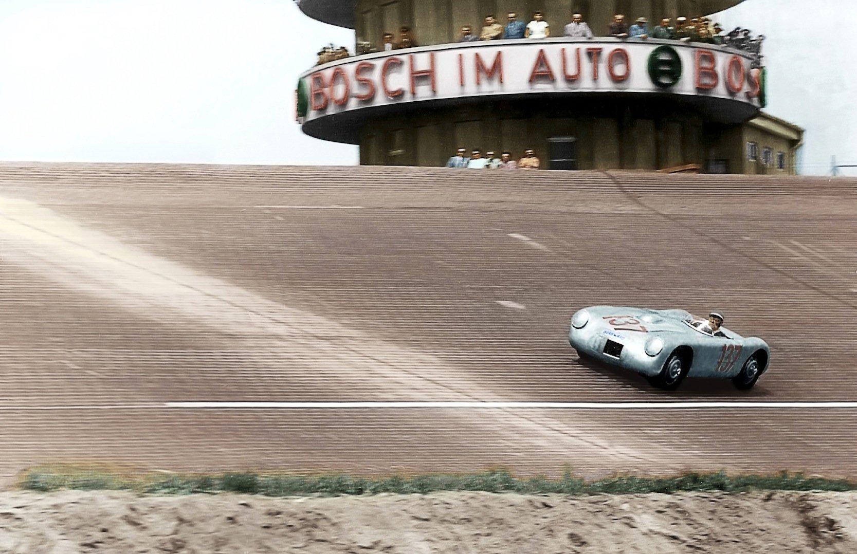 In den 1950-er Jahren war Borgward auch im Motorsport aktiv.