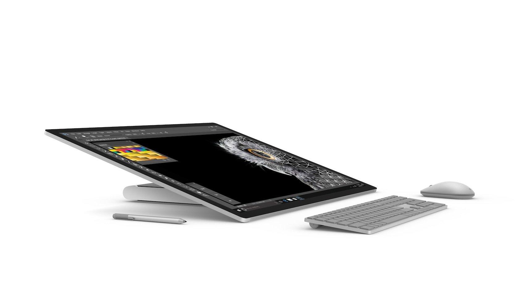 Der Computer kann auch wie ein Tablet auf den Tisch gelegt werden, um besser mit den Fingern oder dem Zeichenstift arbeiten zu können.