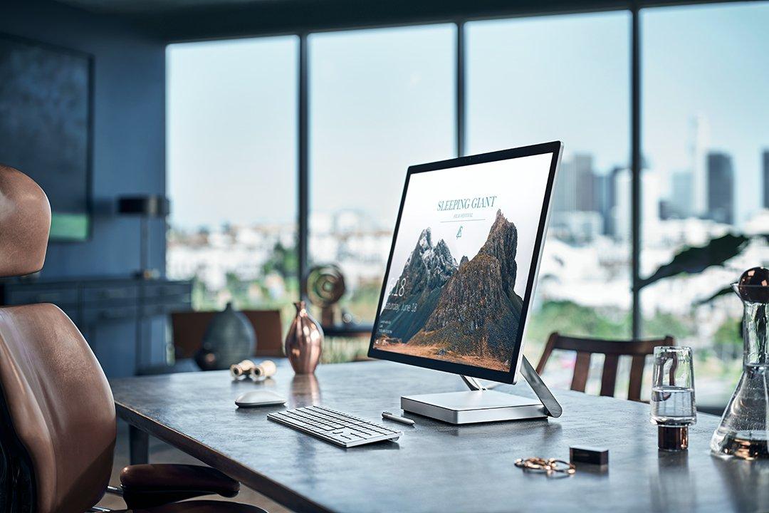 Der Surface Studio ist etwas teurer als ein iMac. Dafür hat er ein Touchdisplay.