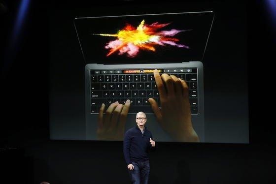 Vorstellung des neuen Macbook in Cupertino: Die neue Generation lässt sich ab sofort vorbestellen, die Auslieferung startet noch vor Weihnachten. Kostenpunkt: 1700 €bis 3200 €.