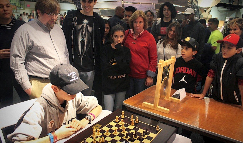 Erste Prototypen des Schachcomputers wurden schon auf Schachturnieren wie hier in New York getestet.