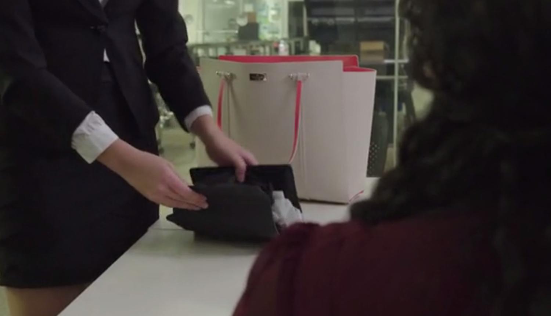 Zusammengefaltet ist Spud so groß wie ein Taschenbuch (17x5,5x19 cm) und wiegt knapp 900 g.