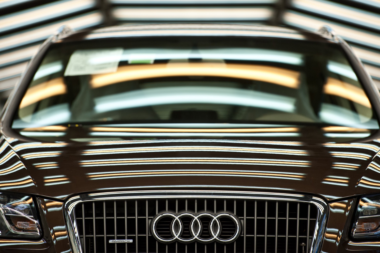 Produktion eines Audi Q5 in Ingolstadt:Audi hat bei Modellen mit dem Stufenautomatikgetriebe AL 551 angeblich eine weitere Schummelsoftware eingesetzt. Sie sorgt auf dem Prüfstand für besonders niedrige CO2-Werte.