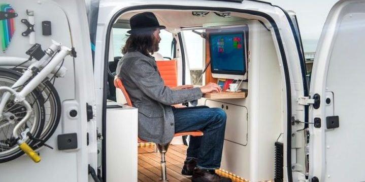 Designer verwandelt Nissans Elektro-Van in mobiles Minibüro