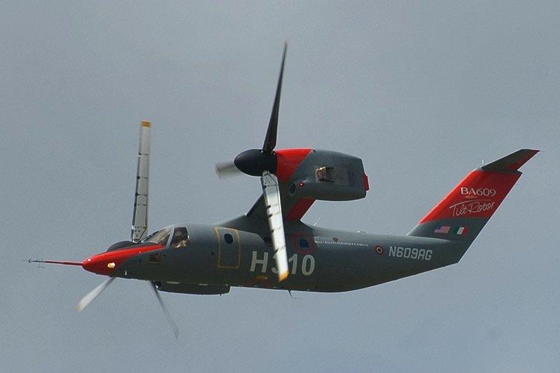 Die AgustaWestland AW609ist einsenkrechtstartendes Kipprotor-Wandelflugzeugähnlich der Bell-Boeing V-22.