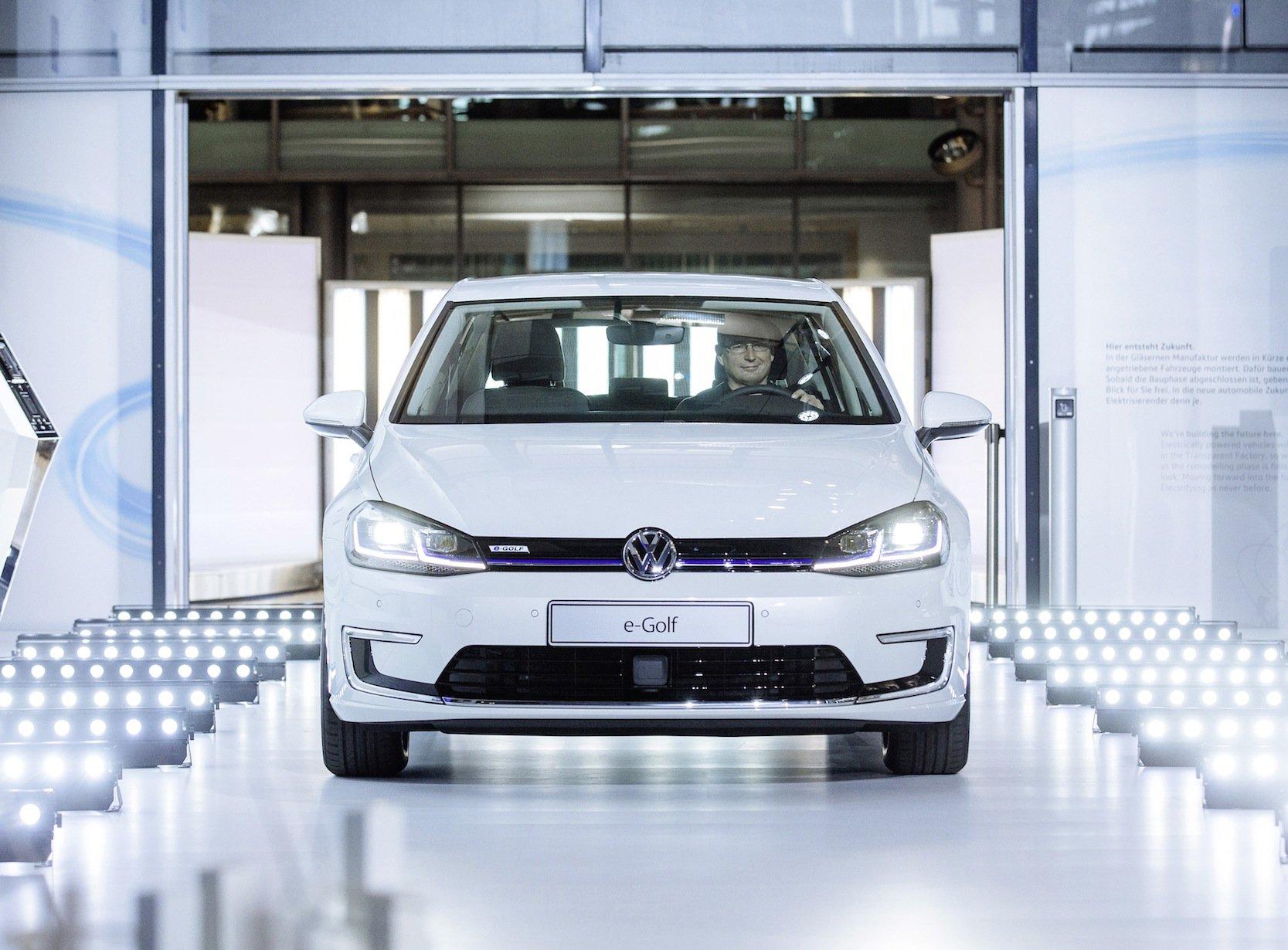e-Golf in der Gläsernen Manufaktur in Dresden: 3,5 Milliarden Euro will VW in neue Antriebstechniken investieren.