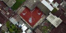 Platz da! Krumme Fußballfelder im Armenviertel von Bangkok