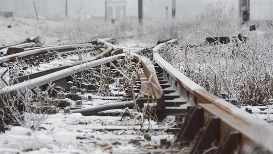 Schnee und Eis: Jeden Winter verschlingt die Beheizung der Schienen auf dem Streckennetz der Deutschen Bahn etwa 44 Miillionen Euro.
