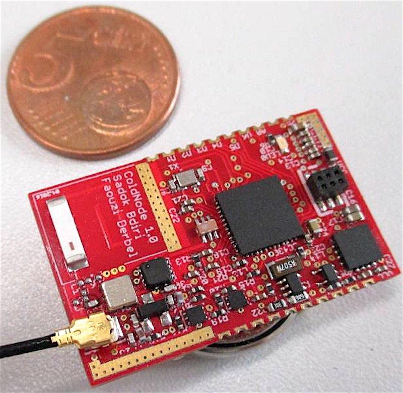 Die an der HTWK Leipzig entwickelten, winzigen Sensorknoten funktionieren komplett drahtlos und energieautark.