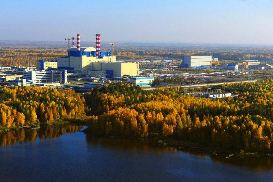 Neben dem Schnellen BrüterBN-800 arbeitet inBeloyarskseit rund 30 Jahren der BN-600, ein Brüter mit einer elektrischen Leistung von 600 Megawatt.