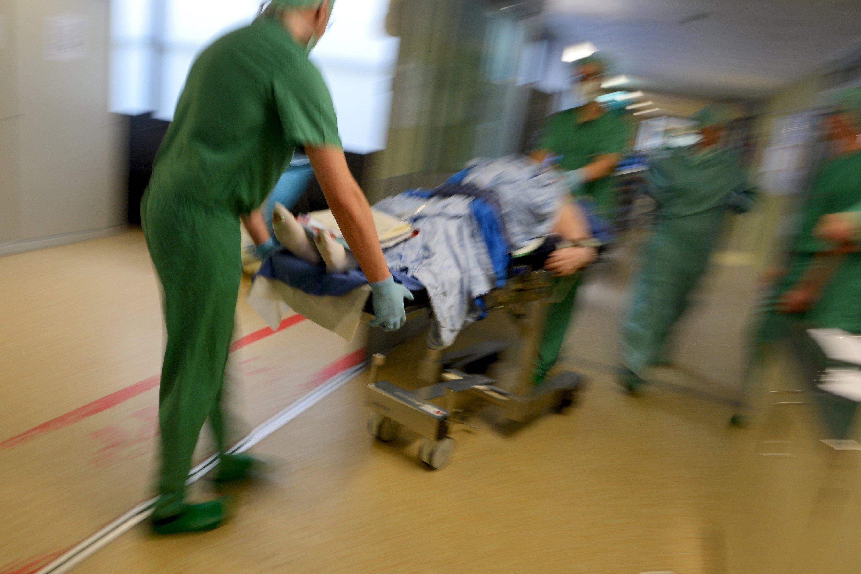 Hacker nehmen auch deutsche Krankenhäuser ins Visier. Mit wenigen Handgriffen können sie die gesamte Logistik lahmlegen.
