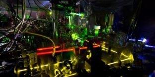 Diese Atomuhr geht auf 1,5 Trillionstel Sekunden genau