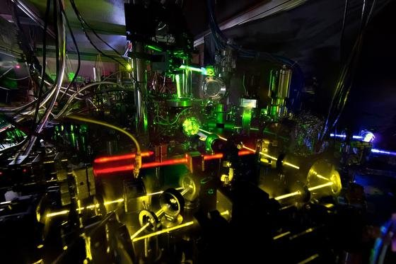 Das ist die genaueste Atomuhr der Welt: Die Abweichung der Tickdauer liegt bei weniger als 1,5 Trillionstel Sekunden.<strong></strong>
