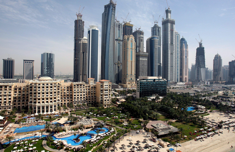 Luxushotels und Wolkenkratzer in Dubai: Der Menschhat eine Masse von 30 Billionen Tonnen Ressourcen in technische Artefakte umgewandelt.