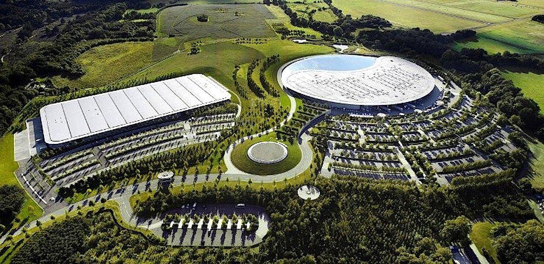 McLaren-Zentrale inWoking: Längst hat sich McLaren zu einem Technologiekonzern gewandelt und ist besonders stark in Sensortechnik. Die könnte Apple besonders interessieren.