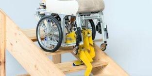 Dieser Rollstuhl mit Füßen kann sogar Treppen steigen