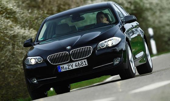 BMW 550i: In Seattle wurde ein Wagen aus dieser Serie gestohlen – und samt Autodieb durch BMW-Mitarbeiter per Fernsteuerung wieder dingfest gemacht.