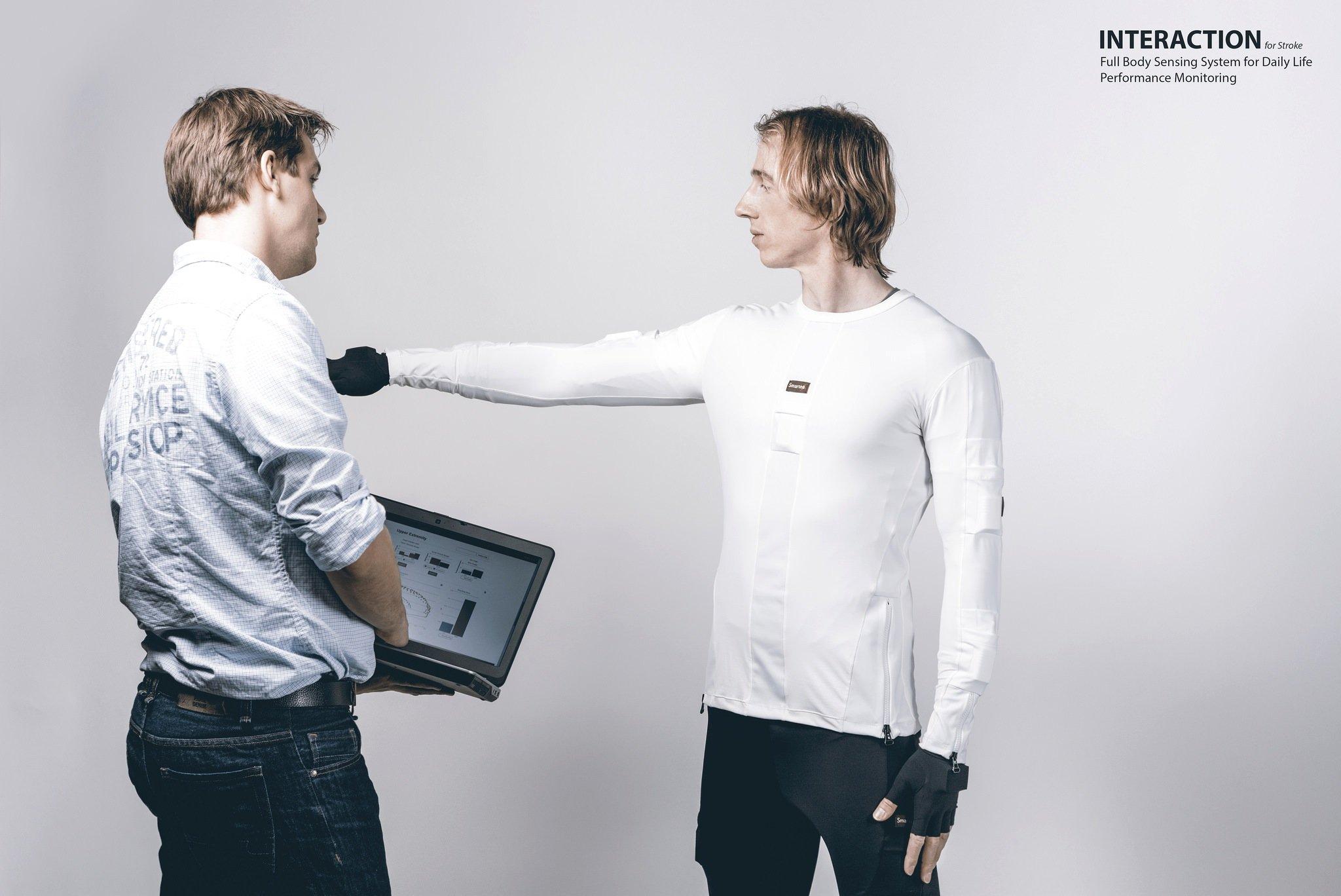Die Sensoren sind vernetzt und übertragen die Bewegungsdaten an einen Computer, wo sie ausgewertet werden.