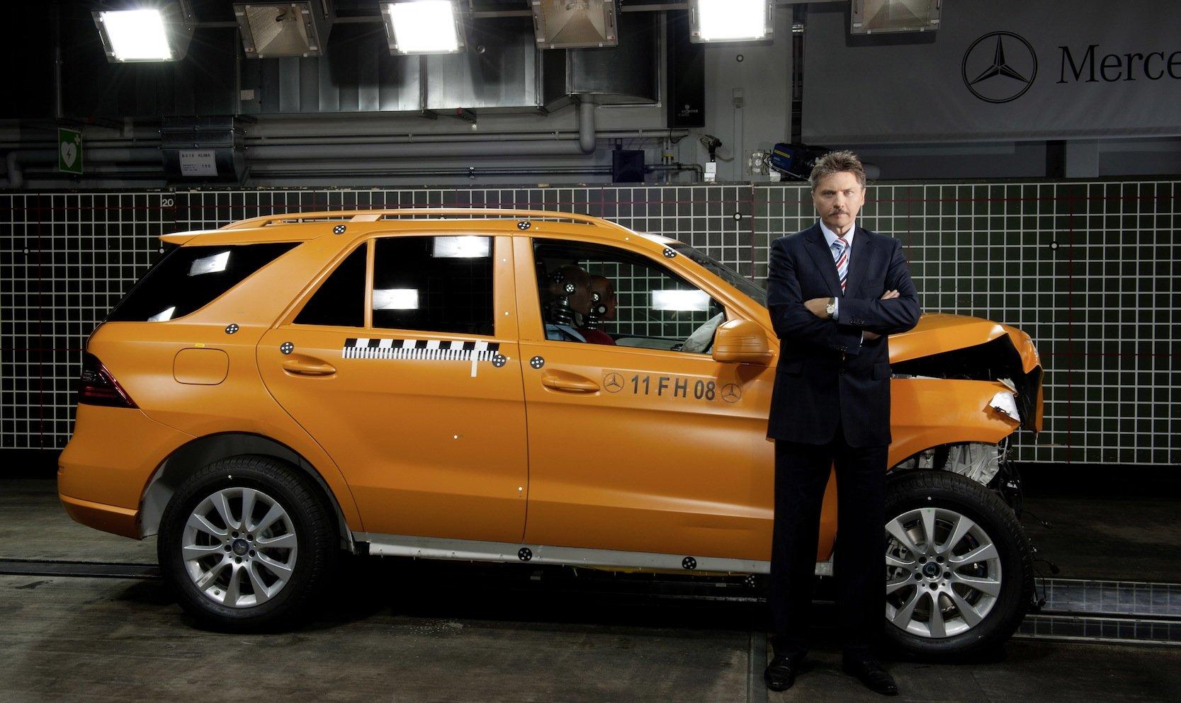 Professor Rodolfo Schöneburg, Vorsitzender der VDI-Gesellschaft Fahrzeug- und Verkehrstechnik (FVT) und Centerleiter Sicherheit bei Daimler.