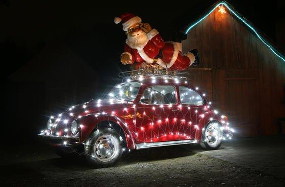 Frohe Weihnachten VW: Der Enkel des Käfer-Erfinders Ferdinand Porsche, Ernst Piëch,beschwört das Ende des Automobils herauf. Und VW stehe vor der Übernahme durch chinesische Investoren.