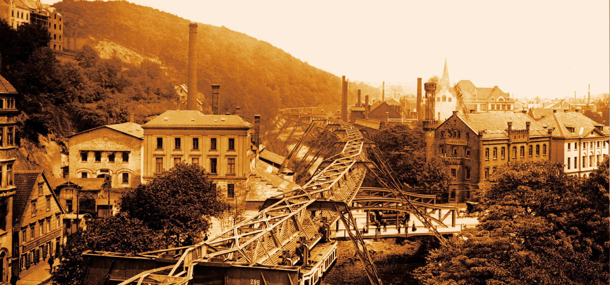 Historische Aufnahme der Wuppertaler Schwebebahn