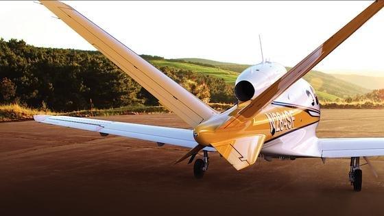 Vision Jet: Das kleine Düsenflugzeug von Cirrus Aircraft hat für den Fall einer Notlandung einen Fallschirm für den Flieger eingebaut.