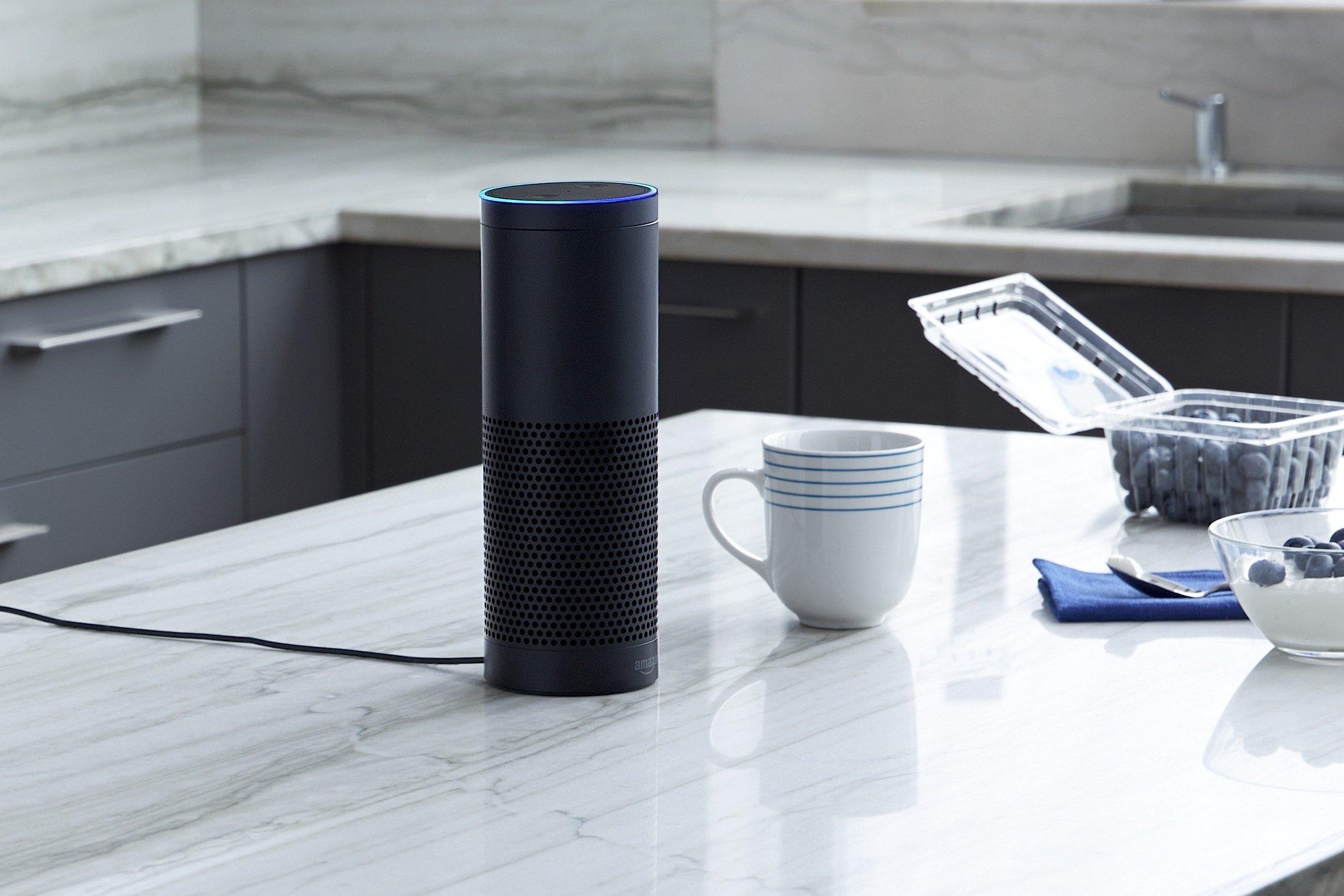 In der Küche kann man Echo als Radio benutzen und sich zugleich ein Rezept abrufen und vorlesen lassen.