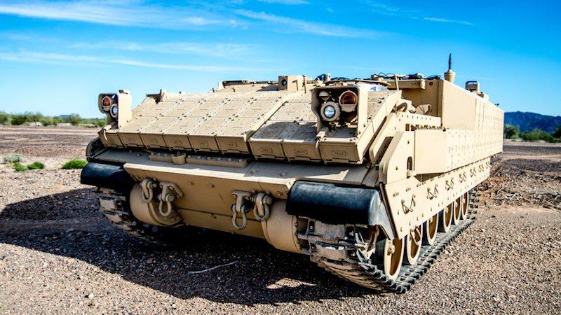 Der AMPV ist ein Mehrzweck-Fahrzeug: Er kann nicht nur Personen befördern, sondern auch beispielsweise als mobile Klinik eingesetzt werden. Aber auch zum militärischen Kommando- und Kontroll-Zentrum kann er aufgerüstet werden.