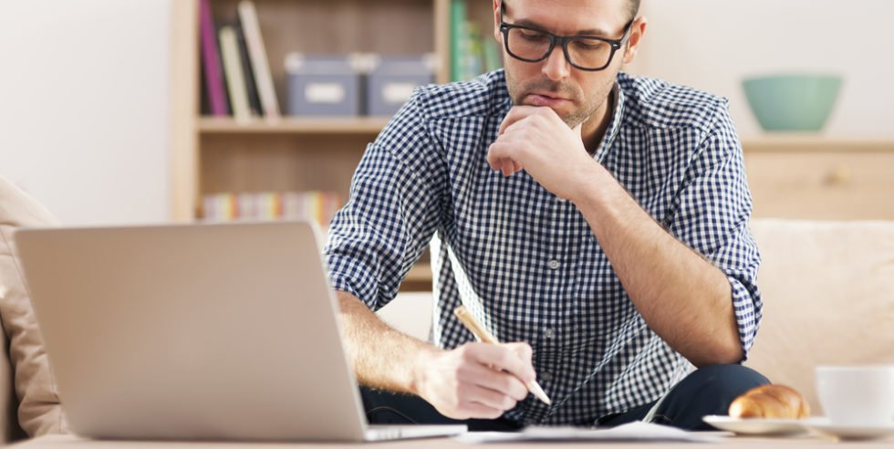 Bewerbung schreiben: Es fehlt oft schwer die richtigen Worte zu finden.