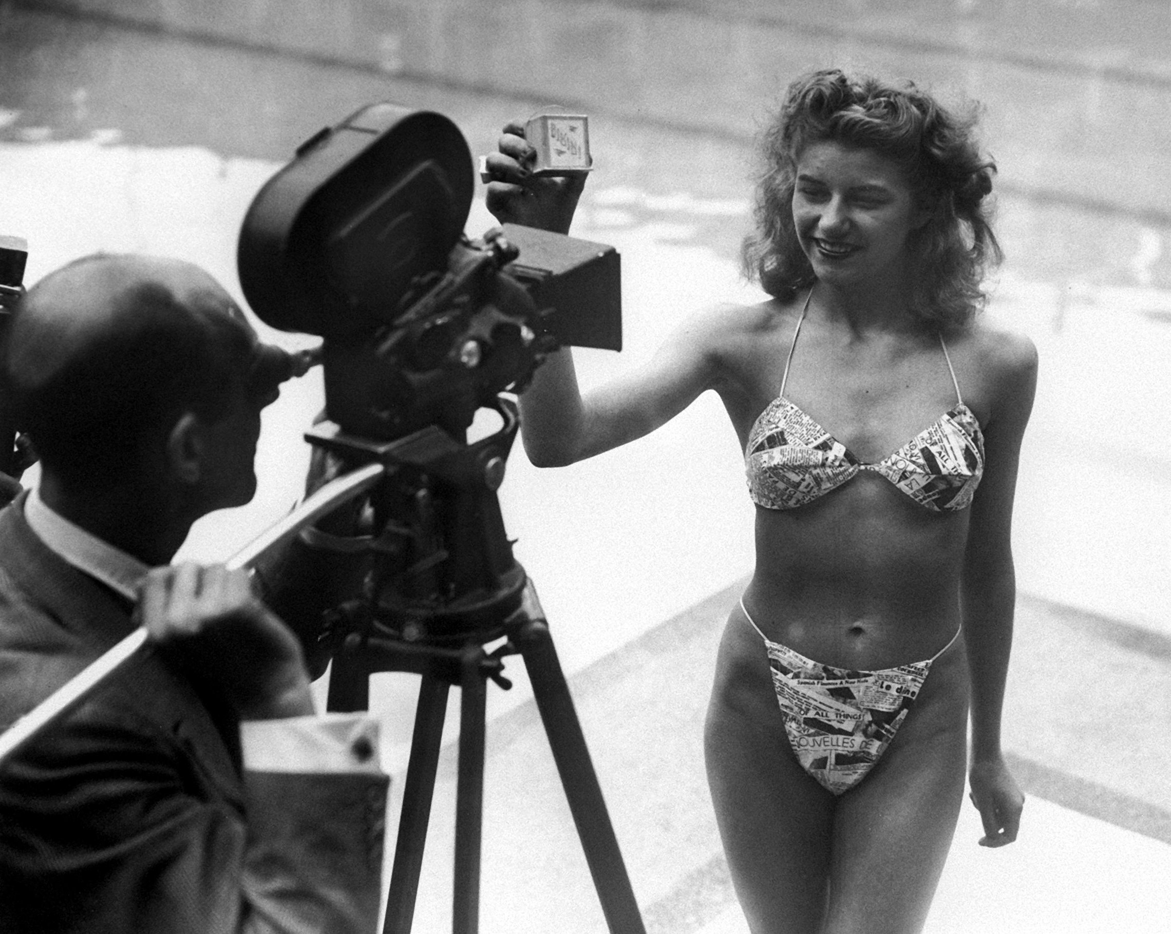 Ingenieure erfinden auch schon mal etwas, das mit Technik nichts zu tun hat, wie hier den ersten Bikini. Er wurde vom französischen Ingenieur Louis Reard entwickelt. Das Foto zeigt Micheline Bernardini, eine Nackttänzerin des Pariser Casinos, die das gute Stück am 5. Juli 1946 in einem Schwimmbad in Paris vorstellt.