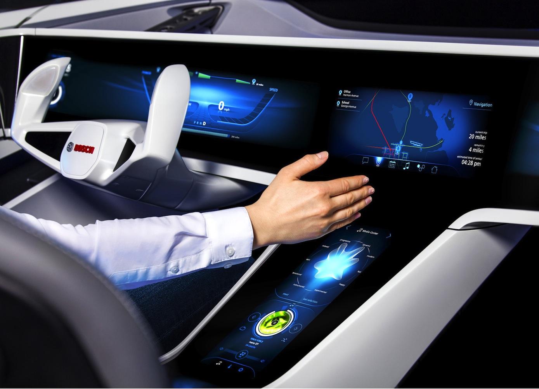 Bosch stellt auf der CES ein Bedienkonzept vor, das mit Gesten arbeitet. Eine Kamera erfasst die Handzeichen und wandelt sie in Befehle um.