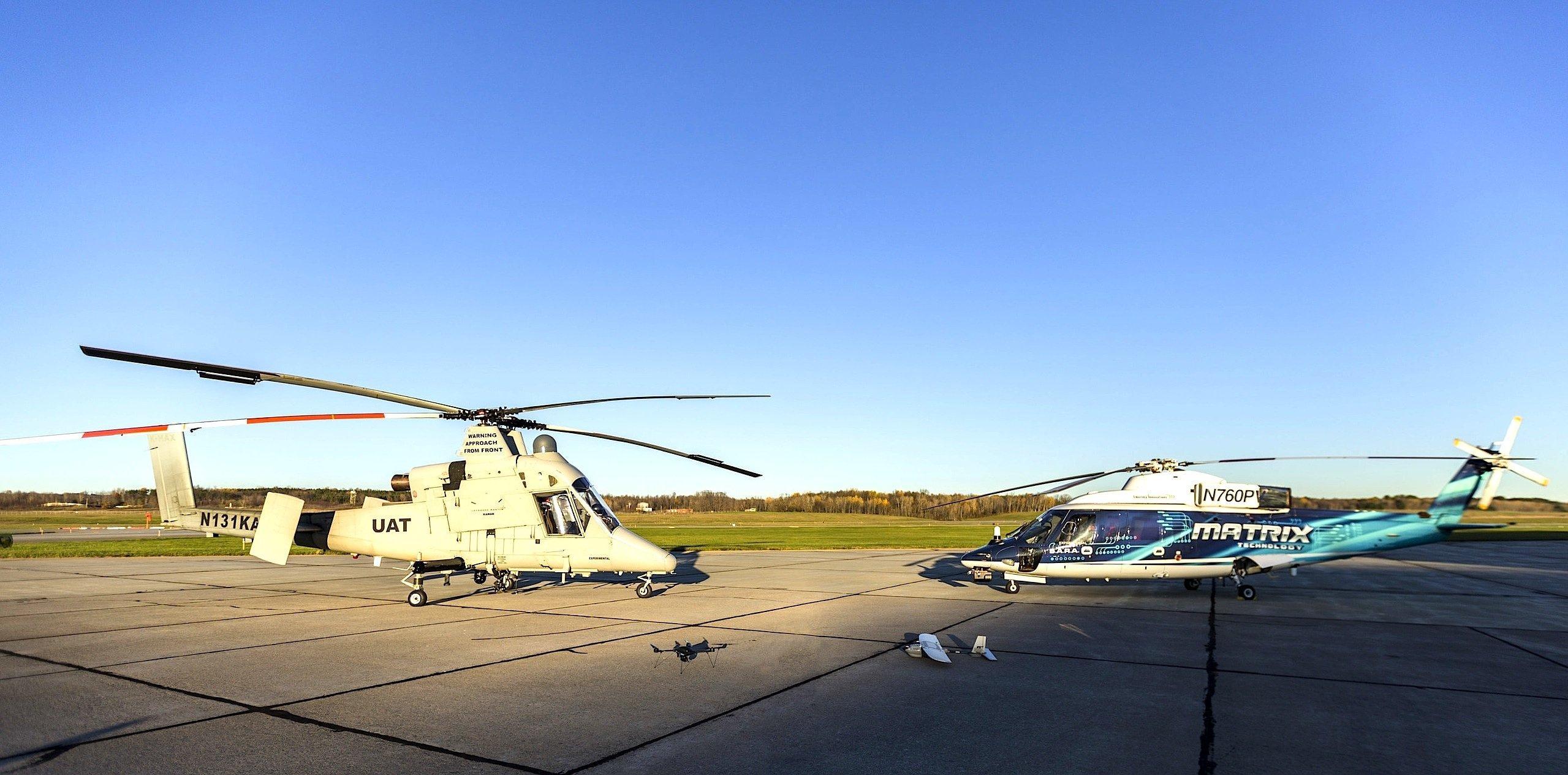 Die vier Drohnen des Hubschrauber-Herstellers Sikorsky können sich im Flug koordinieren. Während die kleinen Drohnen zum Beispiel Glutnester und Verletzte orten können, kommen die großen Drohnen Personen bergen und Wasser herbei schaffen.