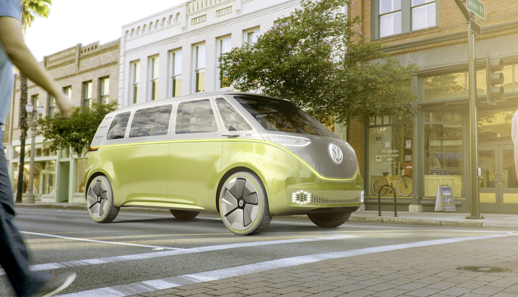 Mit dem Elektro-Bulli Buzz kommt wieder ein richtig schöner Bulli auf die Straße. 2022 soll das Auto kommen, ab 2025 mit autonomer Fahrtechnik.