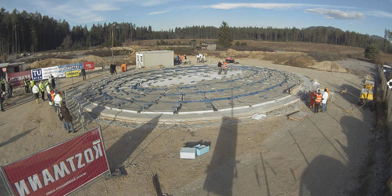 So wird 80 Tonnen schwere Betonplatte zur Kuppel aufgeblasen
