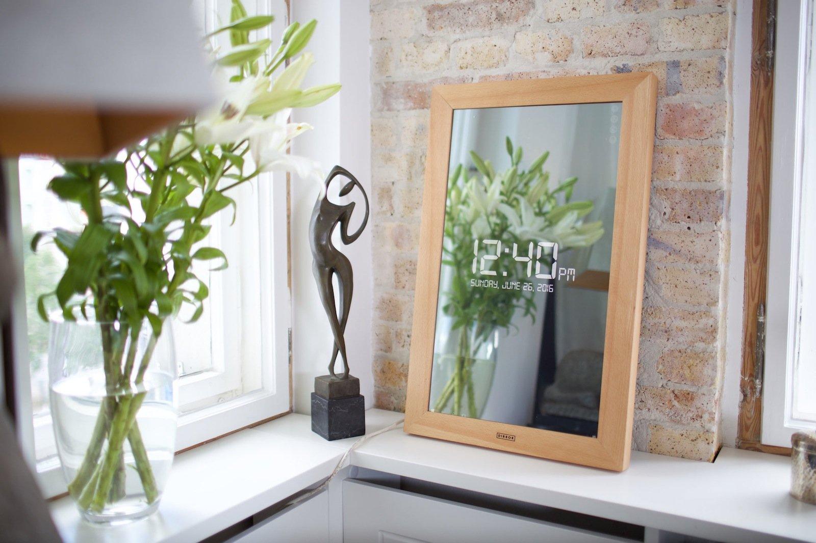 mit diesem spiegel k nnen sie hinaus in die digitale welt schauen. Black Bedroom Furniture Sets. Home Design Ideas