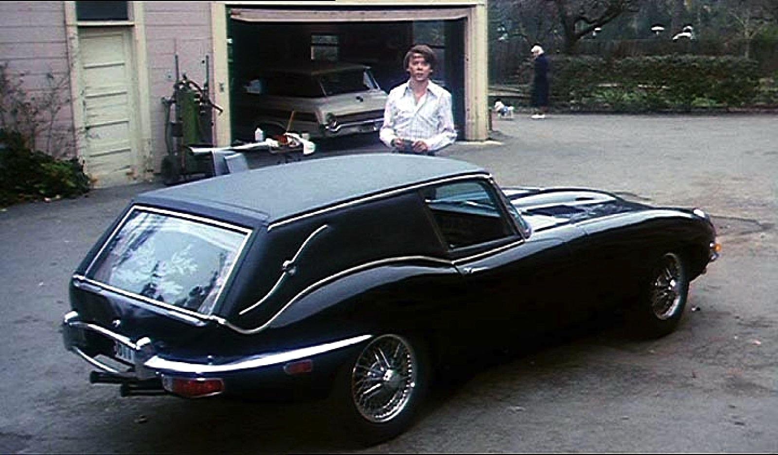 Im Kultfilm Harold und Maude greift Harold zum Schweißgerät, um einen Jaguar E-Type zu einem Leichenwagen umzubauen. Das Schweißgerät ist im Hintergrund noch zu sehen.