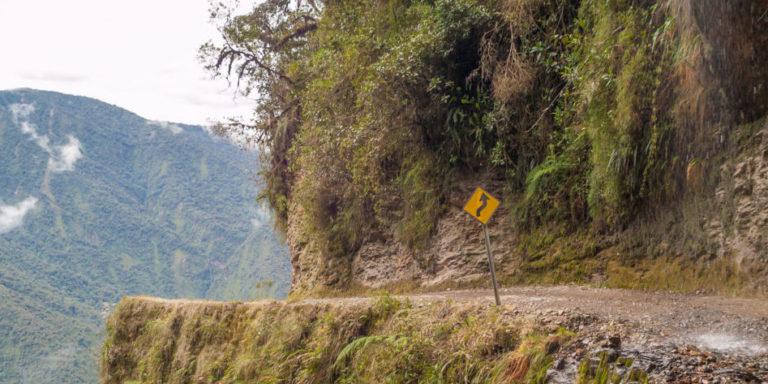 """Die Yungas-Straße in Bolivien wurde auch """"Todesstraße"""" genannt. Seit 2006 verbindet eine neue Straße La Paz und Coroico.Foto: panthermedia.bet/milosk50"""