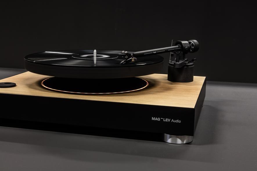 Bei diesem Plattenspieler von MAG-LEV Audio schwebt der Plattenteller in der Luft.