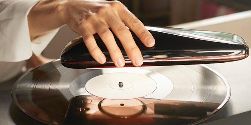 Dieser Plattenspieler dreht sich selbst und nicht die Platte