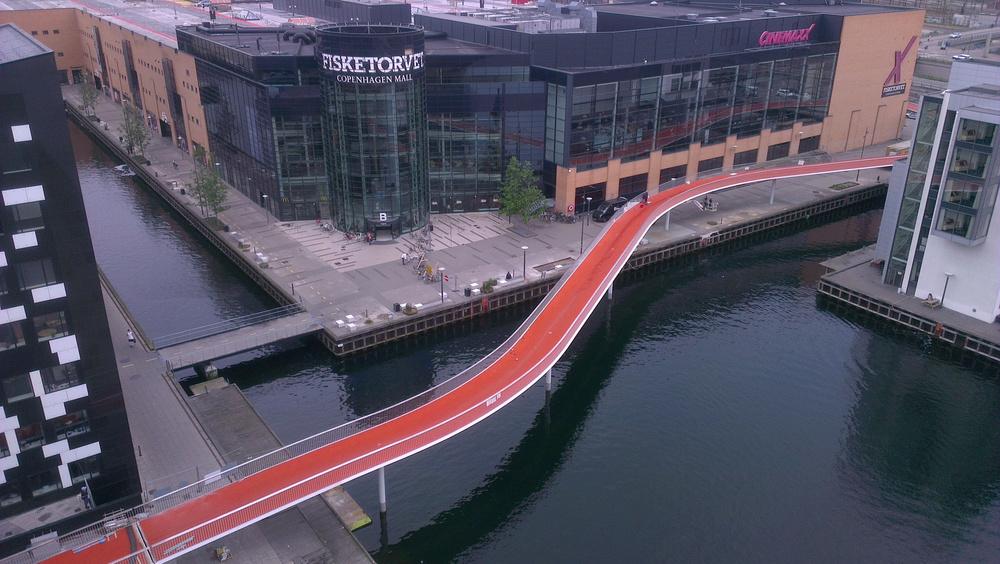 Der Radschnellweg Snake aus der Vogelperspektive: Kopenhagen will den Radverkehr beschleunigen und plant 26 Superhighways für Radfahrer.