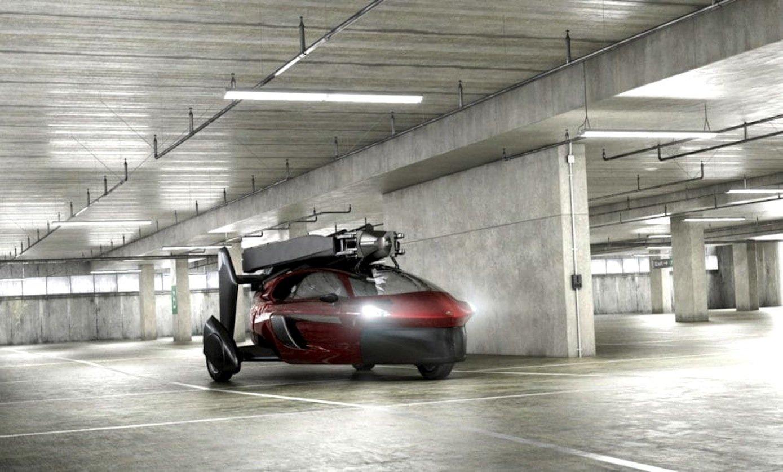 Die Rotoren lassen sich so platzsparend einklappen, dass das Dreirad Pal-V auch in einer Tiefgarage geparkt werden kann.