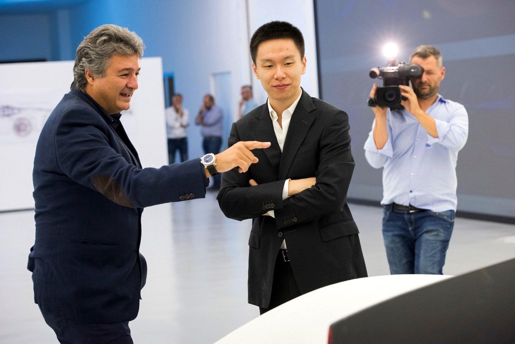 Sprechen über das Design des Supersportlers: DesignerFabrizio Giugiaro (l.) und Technikchef Matthew Jin.