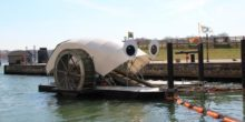 Dieser schwimmende Roboter fischt Müll aus dem Fluss