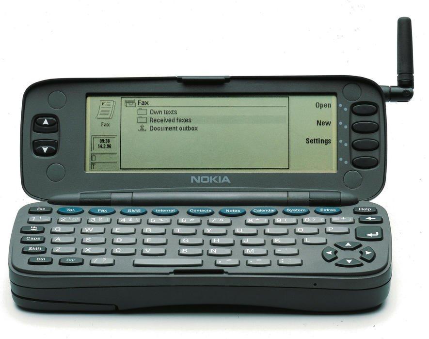 das alte nokia handy 3310 ist wieder da und kann mehr. Black Bedroom Furniture Sets. Home Design Ideas