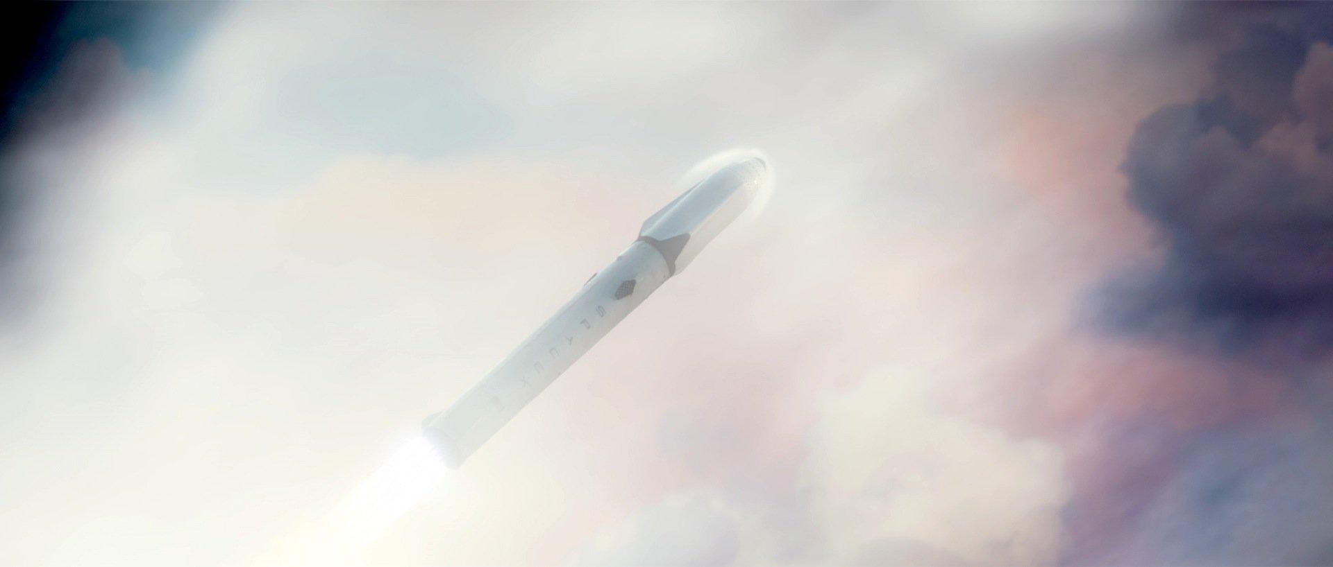 Flug einerFalcon-Heavy-Rakete: Sie ist stark genug, um eine bemannte Raumkapsel in den Orbit zu bringen.