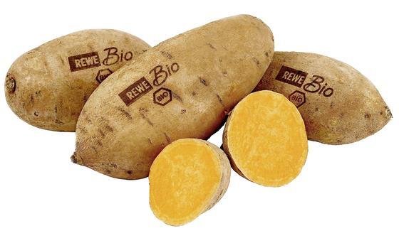 Mit einem Niedrig-Energie-Laser markiert Rewe in einem Testlauf Biogemüse wie diese Süßkartoffeln. Wenn das bei den Kunden gut ankommt, will Rewe auf die Plastikverpackungen bei Biogemüse verzichten.