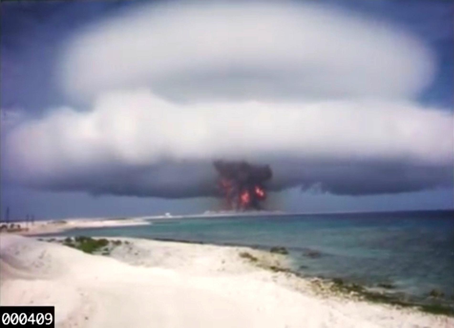 Atompilz auf einem Atoll: Diese Explosion haben die US-Forscher auf Youtube eingestellt.