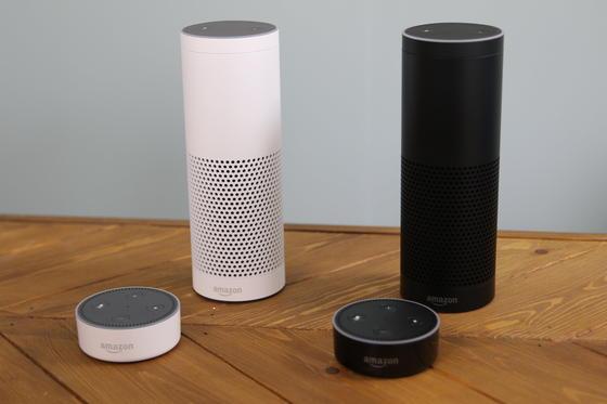 Der vernetzte Lautsprecher Amazon Echo bietet dem Nutzer viele Möglichkeiten - von Musikhören bis Banking.